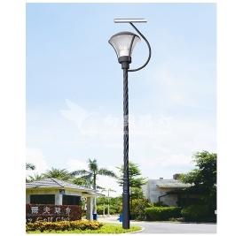 太阳能路灯利用太阳能的能量给人们带来了方便